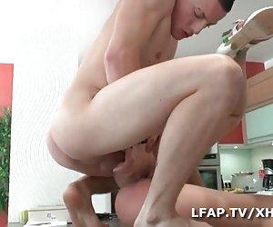 masturbación novia tetona amateur frente a su webcam
