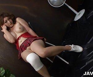 Cougar sexy madura en vestido disoluta