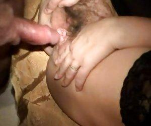 Frágil hottie Japon goza de sexo anal