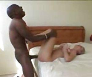 enorme polla recibe masajes de sexy con tetas grandes