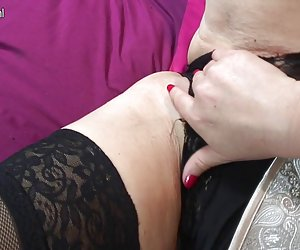 Mature milf - doble penetracion