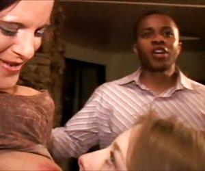 Marido, comiendo empanada de crema peludo coño wifes