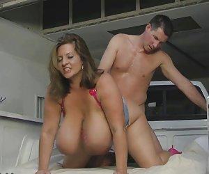 Hijastro y esposa cachonda japonesa