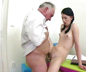 Asiática chica chorros, por blondelover