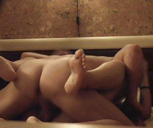 espiando a mi novia masturbándose en la terraza