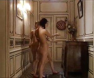 Asiático se masturba en el baño