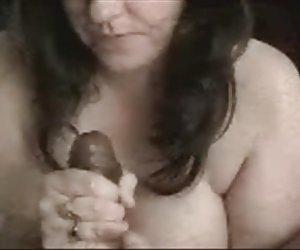 sexy latina con tetas grandes