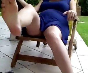 francesa madura threeones al aire libre