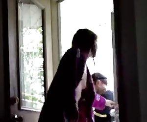 Mamá traviesa expuesto masturbándose en cámara oculta