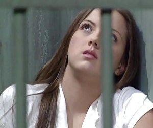 guardia de la prisión de prostituta adolescente huesos