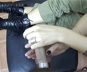sofá de moliendas chica orgasmo