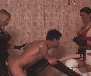 Tira de indios bhabhi madura amateur desnuda teniendo sexo en perrito