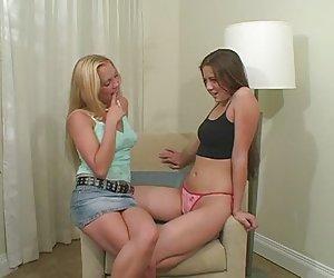 chica de grandes tetas en webcam