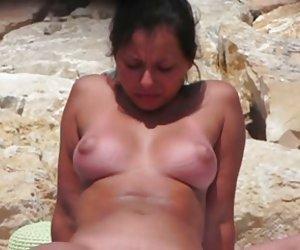 Milf Latina con curvas