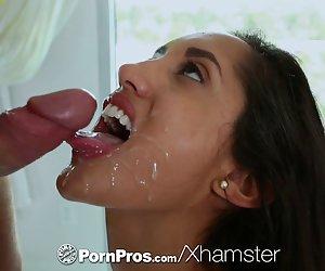 image Chica de pelo largo dar una mamada