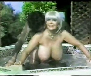 image Linda chica adolescente con grandes tetas folla gran polla larga